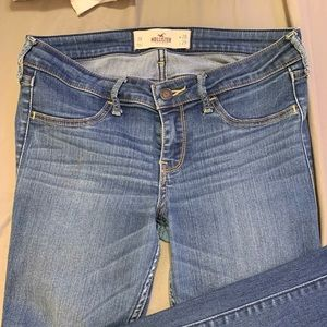 Skinny medium wash jeans from Hollister!!